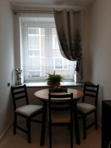 A seating area at Apartment-Leopoldstreet