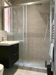 Ett badrum på villa juturne