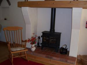 A seating area at Annagh Cottage