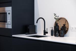 A kitchen or kitchenette at Studio Lemonade
