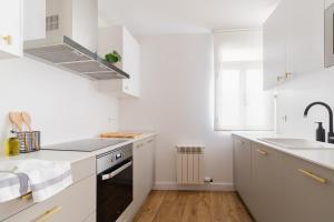 Una cocina o zona de cocina en Piso centro Logroño. En calle Laurel