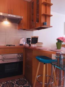 Una cocina o zona de cocina en BELLAVISTA, BARRIO LASTARRIA