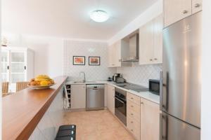 A kitchen or kitchenette at Romantica