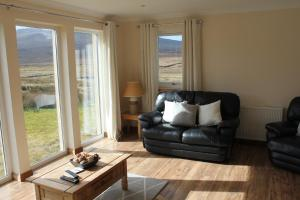 A seating area at Trotternish Ridge View