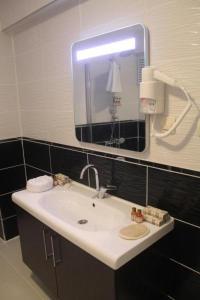 حمام في شقق لينا سنترال