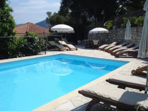 The swimming pool at or near Kiki Studios