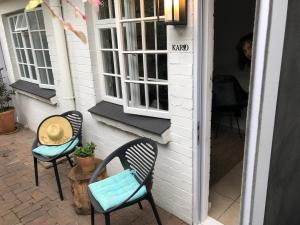 Un balcón o terraza de 5 Oaks Guest Suite