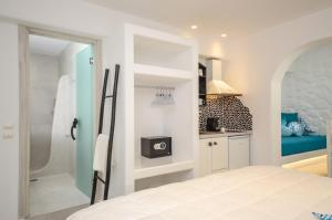 Spa and/or other wellness facilities at Naxos Evilion Luxury Apartments & Suites