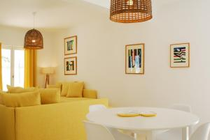A seating area at Villa Bellonia