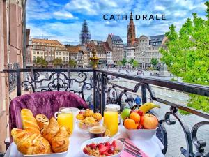 Breakfast options available to guests at LIFE RENAISSANCE - New Concept