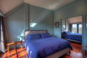 Vuode tai vuoteita majoituspaikassa Luxury St Pauls Penthouse