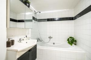 A bathroom at VERY NICE ground floor Apartment in a GREAT LOCATION