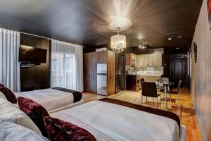 A bed or beds in a room at Drummond by Bouticstay