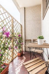 A balcony or terrace at Homeathotel Citylife Colonna