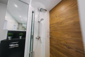 A bathroom at Hypnotize Apartment