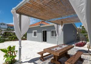 A porch or other outdoor area at Villa antonis