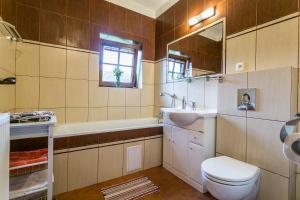 Koupelna v ubytování Villa Lypche