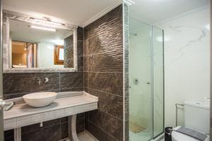 Ένα μπάνιο στο Monteduca Apartments