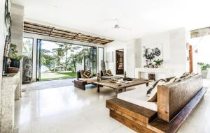 Gallery image of this property
