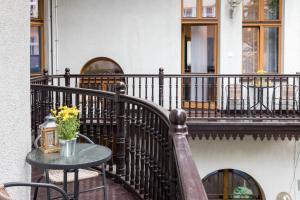 Balkón alebo terasa v ubytovaní Beautiful Cracow Apartments