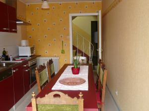 A kitchen or kitchenette at Ten Huize Peckeneck