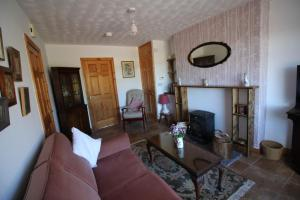 A seating area at Maggies Cottage