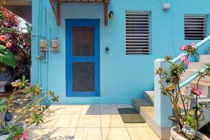 The facade or entrance of Casa Azul