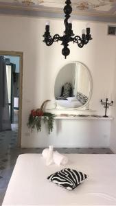 A kitchen or kitchenette at Le Case Del Grillo