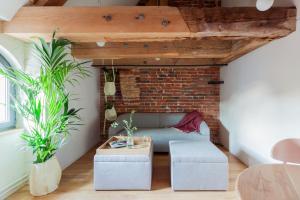 A seating area at Apartamenty Monka