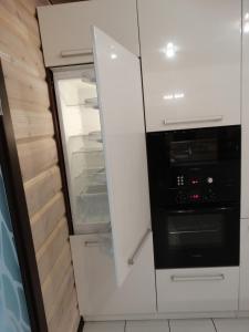 Кухня или мини-кухня в Turgoyak apartments