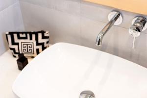 A bathroom at Golden Sand Paros