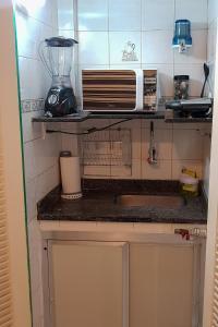 Dapur atau dapur kecil di Loft perto da Praia de Copacabana