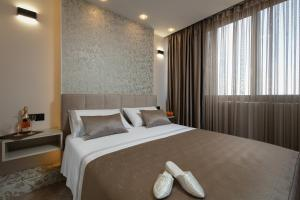 A bed or beds in a room at Island view 2