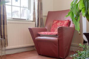 A seating area at 2 Bedroom Apartment Near Finsbury Park