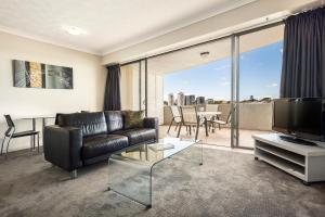 A seating area at Bridgewater Apartments