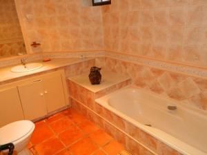 A bathroom at Casa da Costa Esteiro