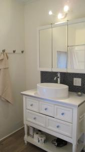 A bathroom at Vita Huset Extended Stay