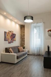 A seating area at DIMORA MILANO
