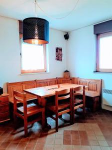 Ein Restaurant oder anderes Speiselokal in der Unterkunft Holiday Home Slavica