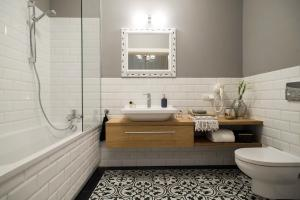 A bathroom at Belle Epoque Residence