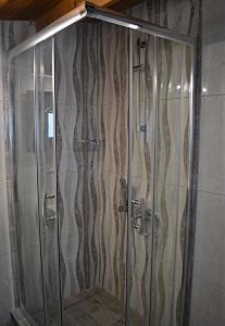 Ένα μπάνιο στο Phaethon Studios
