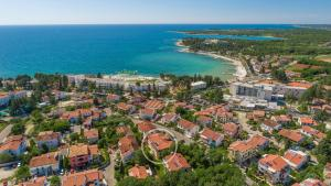 A bird's-eye view of Apartments Villa Ana