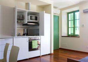 A kitchen or kitchenette at Residence delle Tre Corone