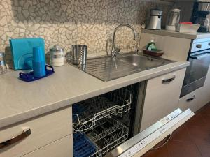 A kitchen or kitchenette at Casa Marugi