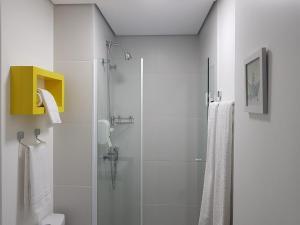 Um banheiro em Ispecialle Studios Congonhas