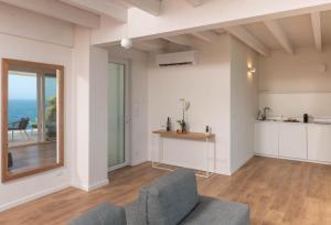 Iancu Charme Apartmentsにあるキッチンまたは簡易キッチン