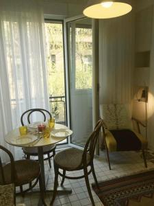 A seating area at Apartment Jastuk