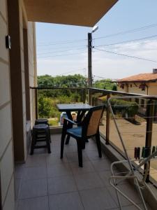 A balcony or terrace at Tvarditsa Apartment