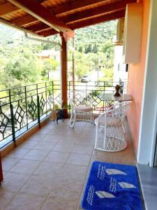 A balcony or terrace at Marina's Home