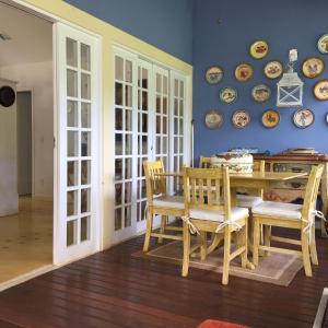 Un restaurante o sitio para comer en paraiso em secretario